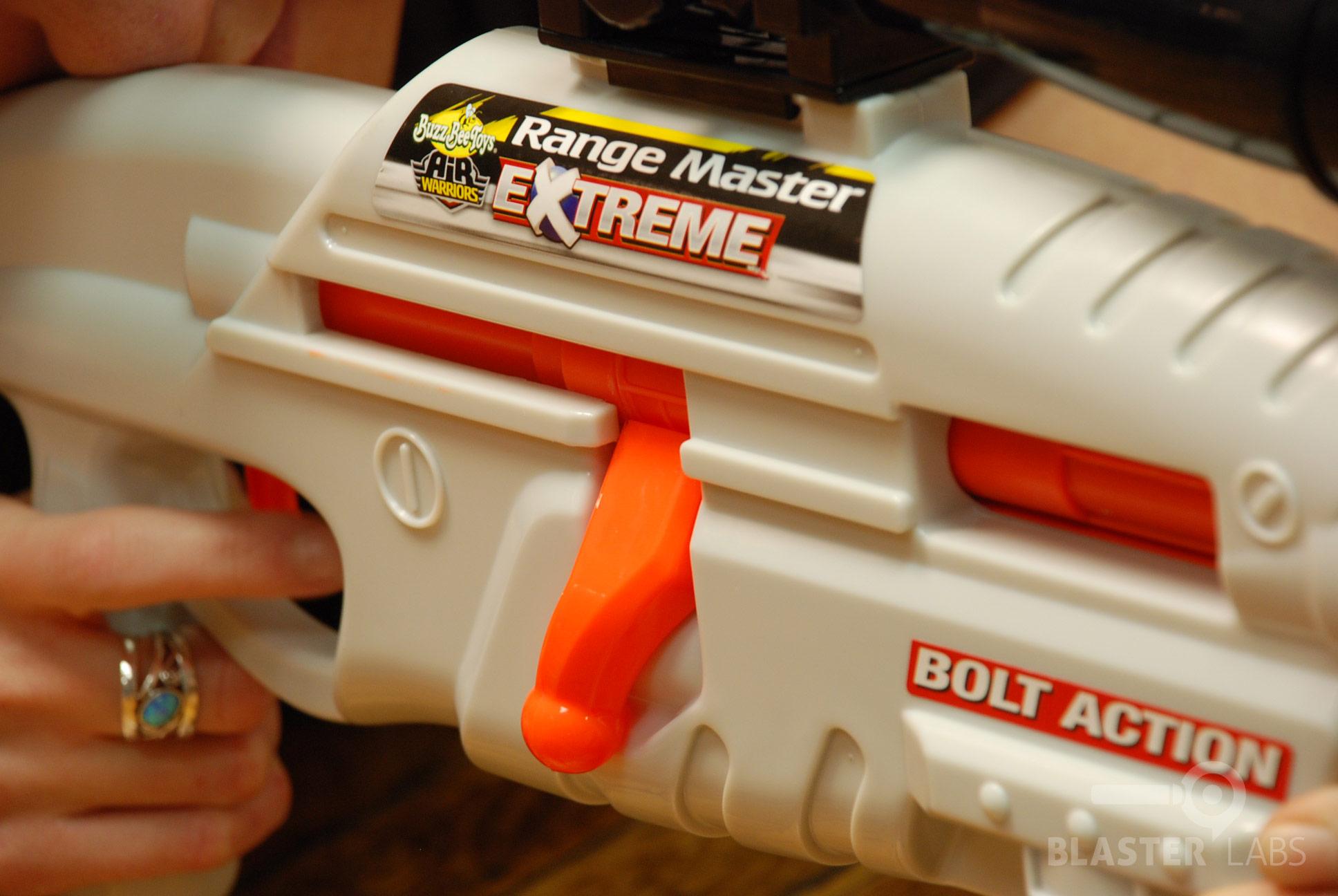 Review Buzz Bee Air Warriors Extreme Range Master Blaster Hub